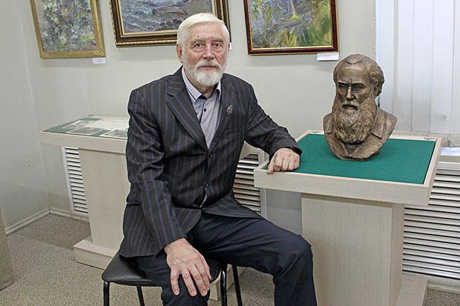Юрий Павлович Хмелевской