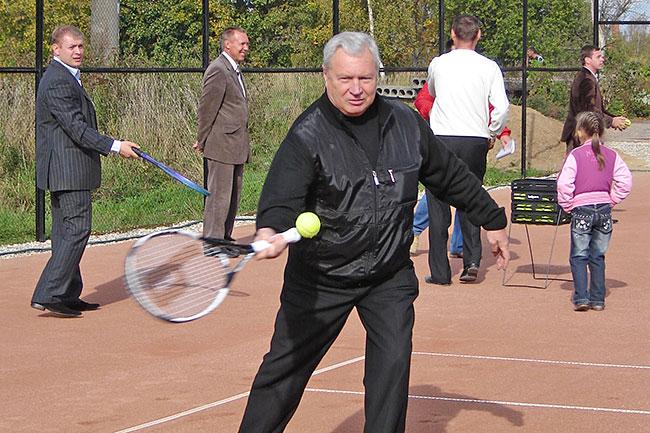 Экс-глава города Струнино от суда не смог отмахнуться, как от теннисного мячика, но результат вряд ли удовлетворил струнинцев.