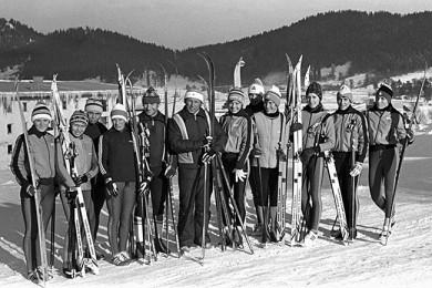 В.А. Иванов со сборной СССР по лыжам, 1980 г.