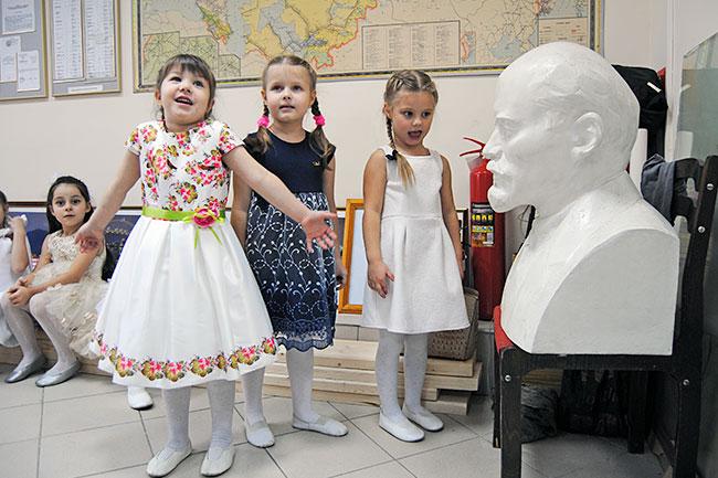 Бюст Ленина в Музее истории железной дороги на станции Александров